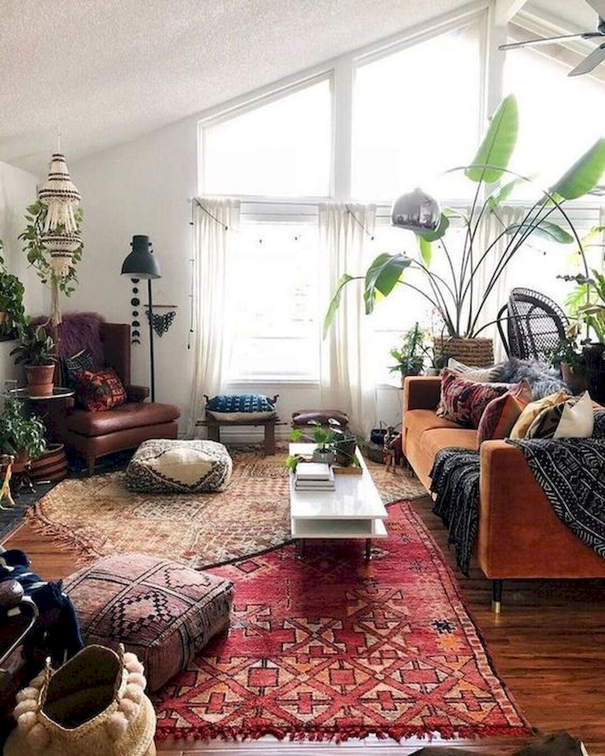 Small Boho Living Room: 55 Bohemian Living Room Decor Ideas (15)